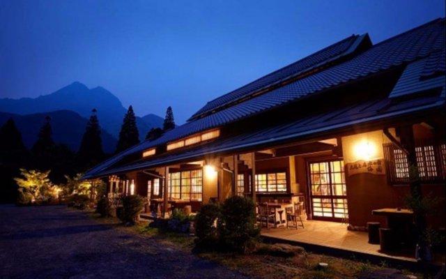 Отель Yufuin Ryokan Baien Хидзи вид на фасад