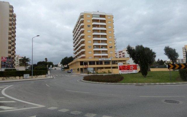 Отель Clube dos Arcos Португалия, Портимао - отзывы, цены и фото номеров - забронировать отель Clube dos Arcos онлайн вид на фасад