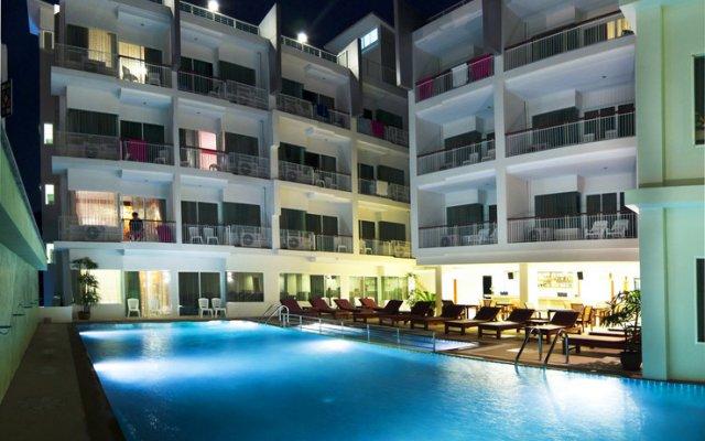 Отель Baumancasa Beach Resort бассейн