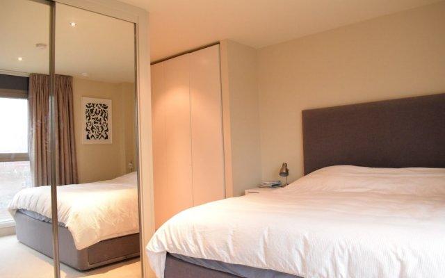 Отель Charming 2 Bedroom Apartment Next to Maltby Market Великобритания, Лондон - отзывы, цены и фото номеров - забронировать отель Charming 2 Bedroom Apartment Next to Maltby Market онлайн комната для гостей