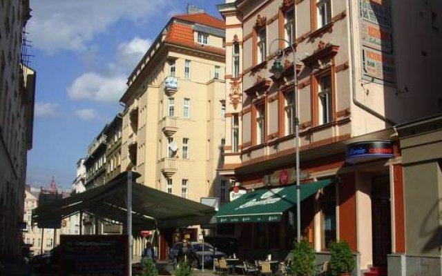 Отель AB Apartments Чехия, Карловы Вары - отзывы, цены и фото номеров - забронировать отель AB Apartments онлайн вид на фасад