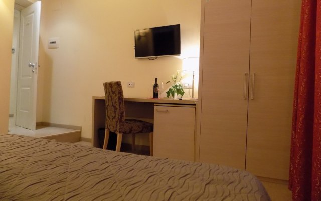 Отель Гостевой дом Booking House Италия, Рим - 1 отзыв об отеле, цены и фото номеров - забронировать отель Гостевой дом Booking House онлайн комната для гостей