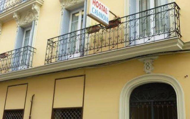 Отель Hostal Casanova вид на фасад
