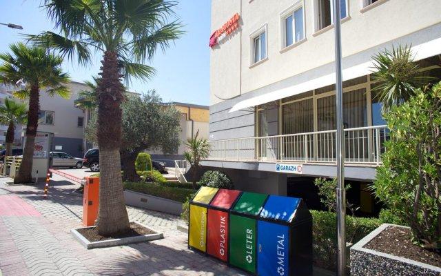Aragosta Hotel & Restaurant 1