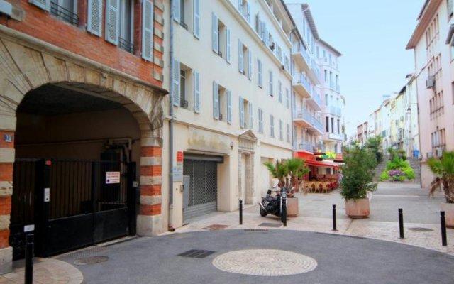 Отель Suite Affaire Cannes Vieux Port Франция, Канны - 8 отзывов об отеле, цены и фото номеров - забронировать отель Suite Affaire Cannes Vieux Port онлайн вид на фасад