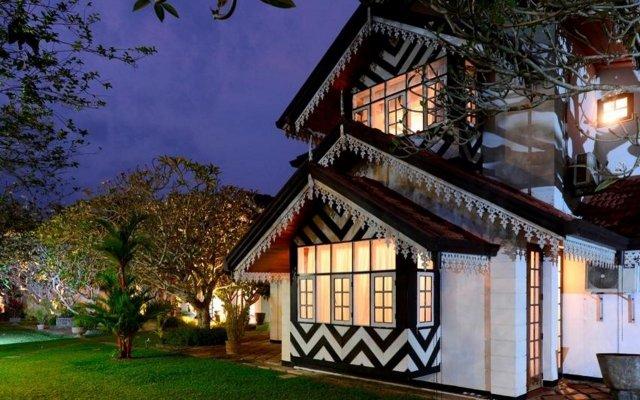 Отель Ayurveda Walauwa Шри-Ланка, Бентота - отзывы, цены и фото номеров - забронировать отель Ayurveda Walauwa онлайн вид на фасад