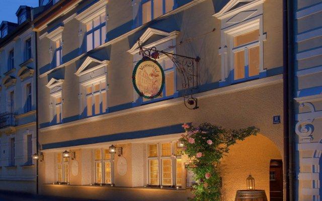 Hotel Königshof вид на фасад
