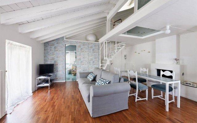 Апартаменты Brera Apartments in Garibaldi комната для гостей