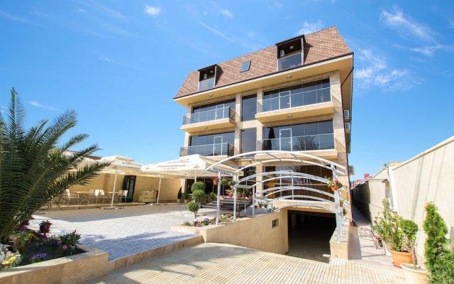 Karap Hotel вид на фасад