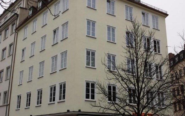 Hotel Der Tannenbaum вид на фасад