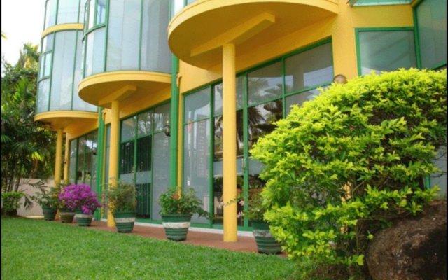 Отель Villa Jayananda вид на фасад