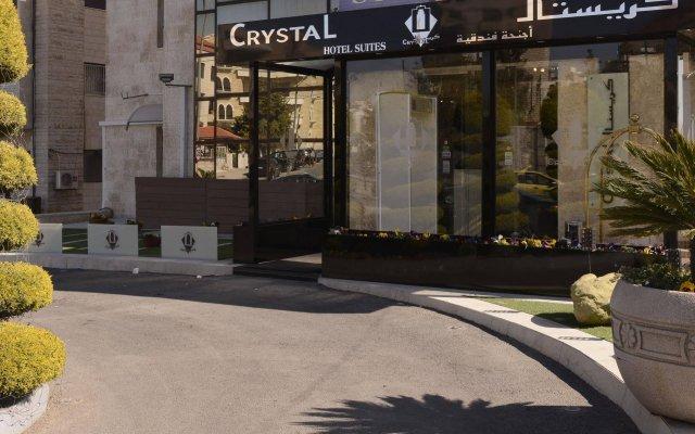Отель Crystal Suites вид на фасад