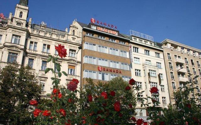 Отель Ramada Prague City Centre (ex. Ramada Grand Symphony) Прага вид на фасад