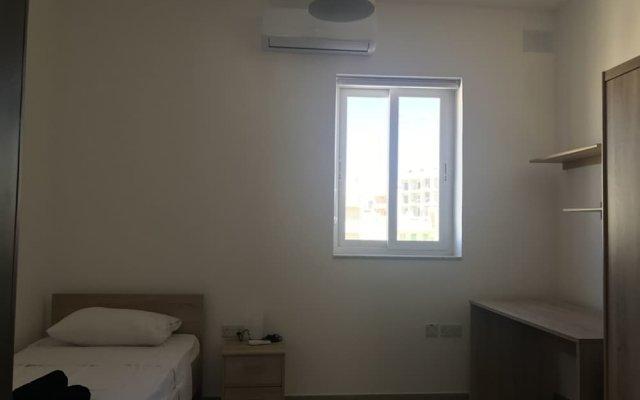 Отель 34 Holiday Suites St Paul's комната для гостей