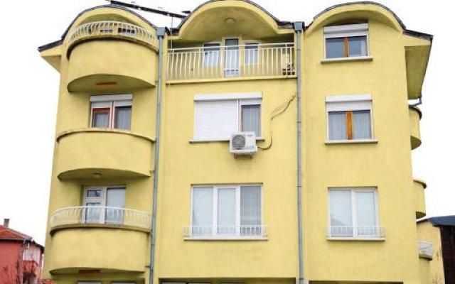 Отель Guest House Markovi Болгария, Равда - отзывы, цены и фото номеров - забронировать отель Guest House Markovi онлайн вид на фасад