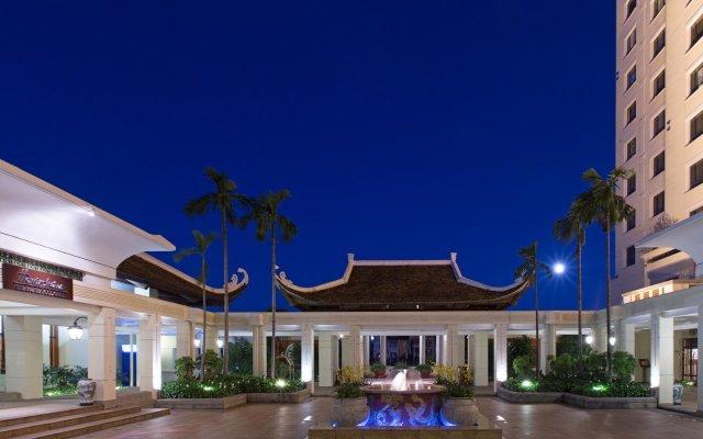 Sheraton Hanoi Hotel Ханой вид на фасад