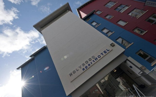 Отель Holyrood Aparthotel Эдинбург вид на фасад