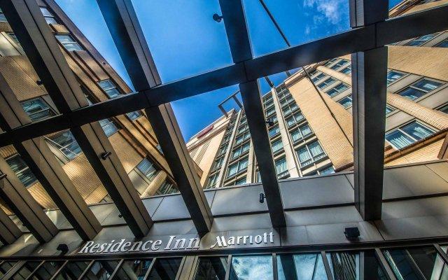 Отель Residence Inn Arlington Courthouse вид на фасад