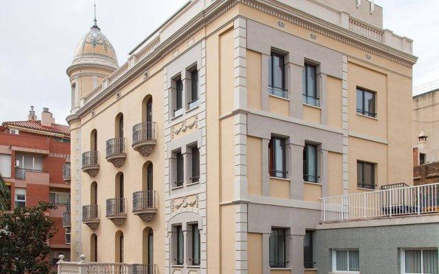 Отель Residencia Erasmus Gracia вид на фасад