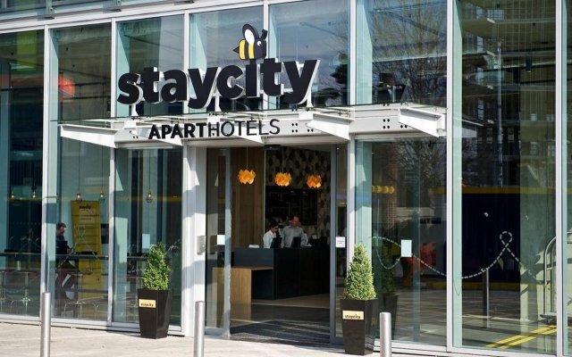Отель Staycity Aparthotels London Heathrow Великобритания, Лондон - отзывы, цены и фото номеров - забронировать отель Staycity Aparthotels London Heathrow онлайн вид на фасад