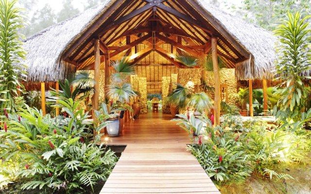 Отель Bora Bora Pearl Beach Resort and Spa Французская Полинезия, Бора-Бора - отзывы, цены и фото номеров - забронировать отель Bora Bora Pearl Beach Resort and Spa онлайн вид на фасад