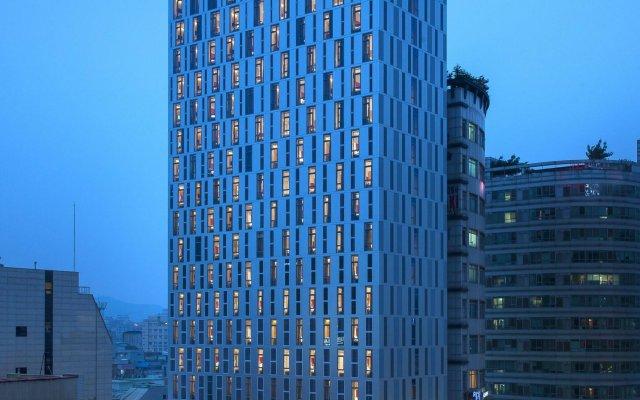 Отель Travelodge Dongdaemun Seoul вид на фасад