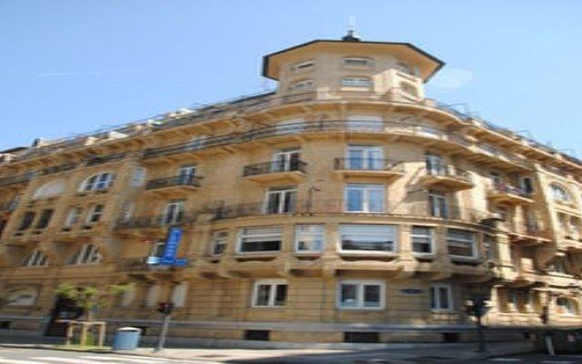 Отель Hostal Alemana Сан-Себастьян вид на фасад