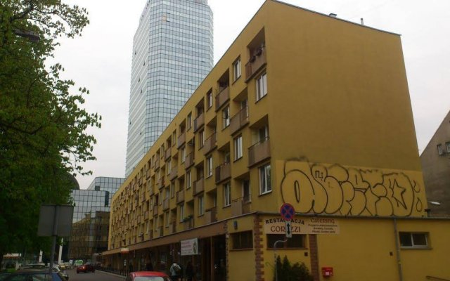 Отель Apartament Saski Варшава вид на фасад