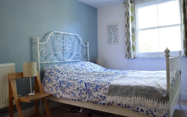 Отель Spacious 1 Bedroom By Finsbury Park Великобритания, Лондон - отзывы, цены и фото номеров - забронировать отель Spacious 1 Bedroom By Finsbury Park онлайн комната для гостей