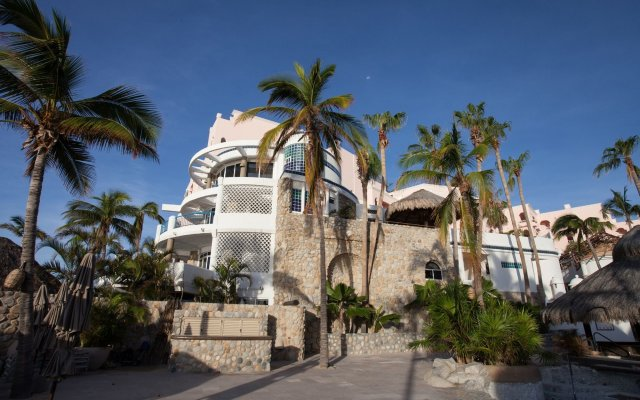 Отель Club Cascadas de Baja вид на фасад