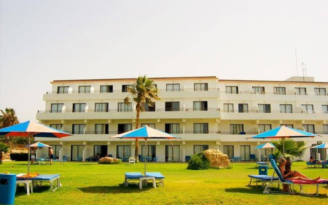 Corallia Beach Hotel Apartments