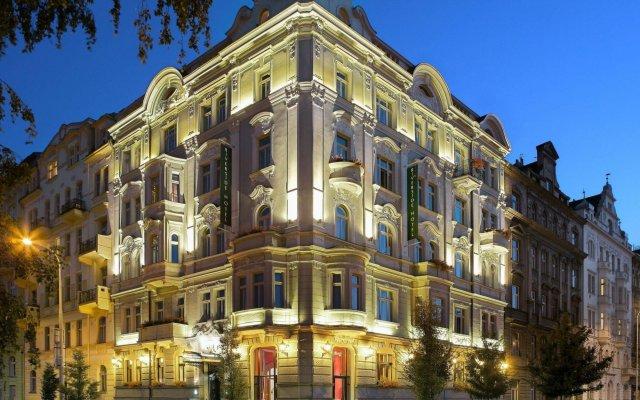 Mamaison Hotel Riverside Prague вид на фасад