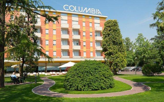 Отель Columbia Италия, Абано-Терме - отзывы, цены и фото номеров - забронировать отель Columbia онлайн вид на фасад