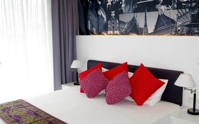 Armoni Hotel Sukhumvit 11 комната для гостей