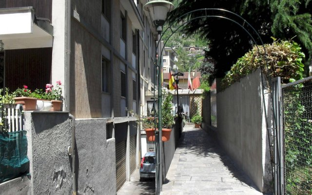Hotel Ristorante Al Caminetto Аоста вид на фасад