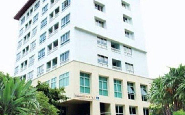 Отель Lumpini Residence Sathorn вид на фасад
