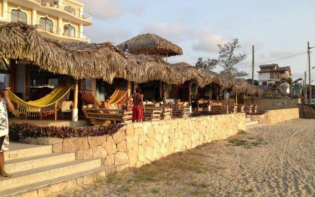 Отель Dharma Beach вид на фасад