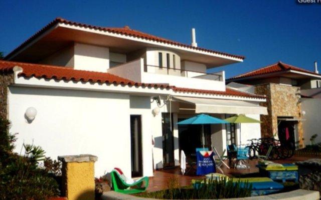 Отель Ericeira Sea Sound - Guest House вид на фасад