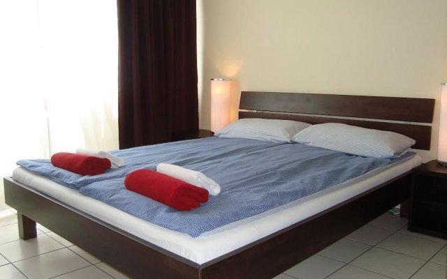 Отель Bermuda Triangle B&B Германия, Кёльн - отзывы, цены и фото номеров - забронировать отель Bermuda Triangle B&B онлайн комната для гостей