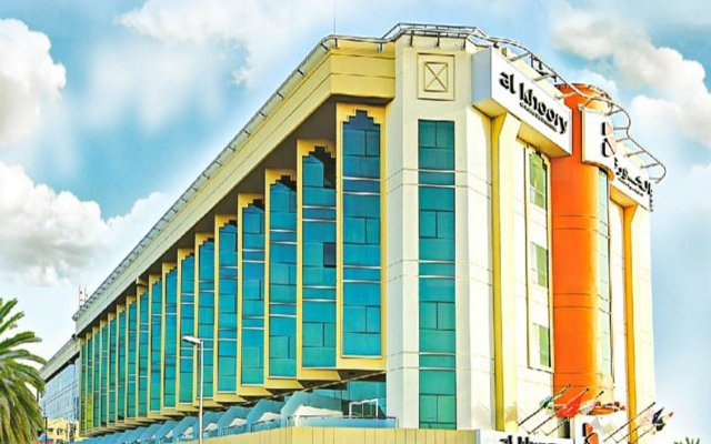 Al Khoory Executive Hotel вид на фасад