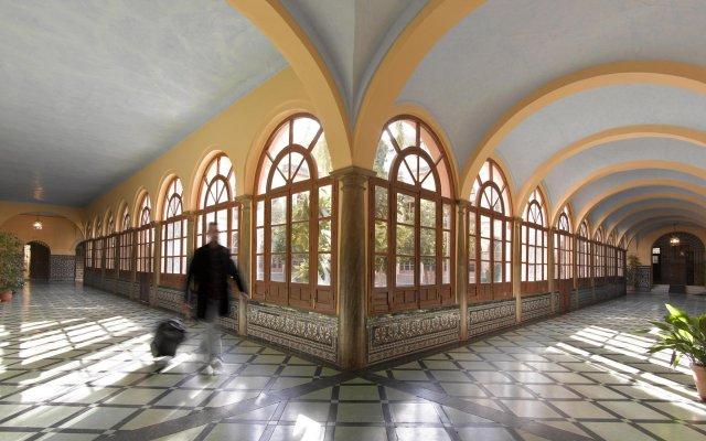 Отель Maciá Monasterio De Los Basilios вид на фасад