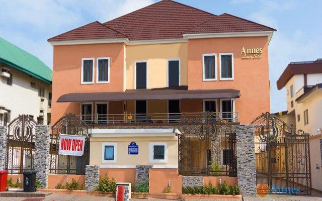 Отель Annes Luxury Suites Ltd вид на фасад