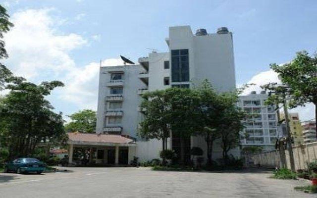 Eurasia Bangkok Hotel Бангкок парковка