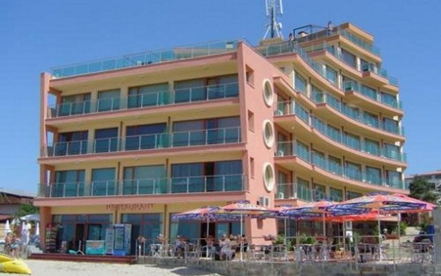 Отель Sunny Bay Болгария, Солнечный берег - отзывы, цены и фото номеров - забронировать отель Sunny Bay онлайн вид на фасад
