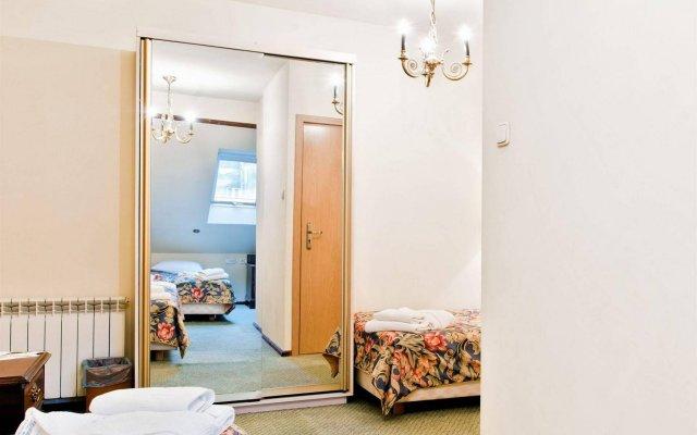 Отель Aparthotel Miodosytnia Польша, Краков - отзывы, цены и фото номеров - забронировать отель Aparthotel Miodosytnia онлайн комната для гостей