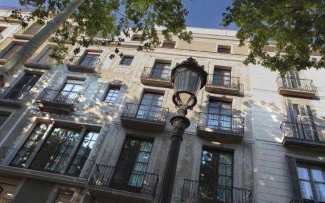 Отель AinB Las Ramblas-Guardia Apartments Испания, Барселона - 1 отзыв об отеле, цены и фото номеров - забронировать отель AinB Las Ramblas-Guardia Apartments онлайн вид на фасад
