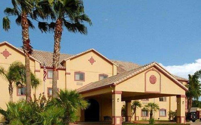Отель Quality Inn Kingsville Hwy 77 США, Кингсвилль - отзывы, цены и фото номеров - забронировать отель Quality Inn Kingsville Hwy 77 онлайн вид на фасад