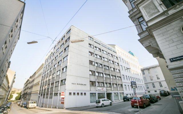 Alibi Hostel Вена вид на фасад