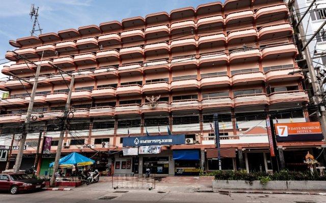 Отель 7Days Premium Паттайя вид на фасад