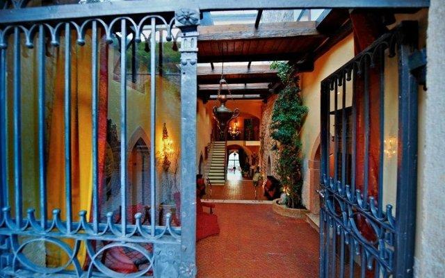 Schloss Hotel Korb Аппиано-сулла-Страда-дель-Вино вид на фасад